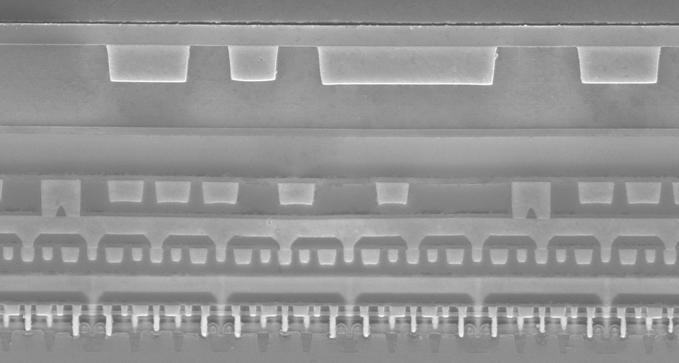 SEM of interconnect layers